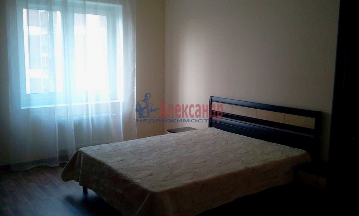2-комнатная квартира (68м2) в аренду по адресу Железнодорожный пер., 8— фото 1 из 10