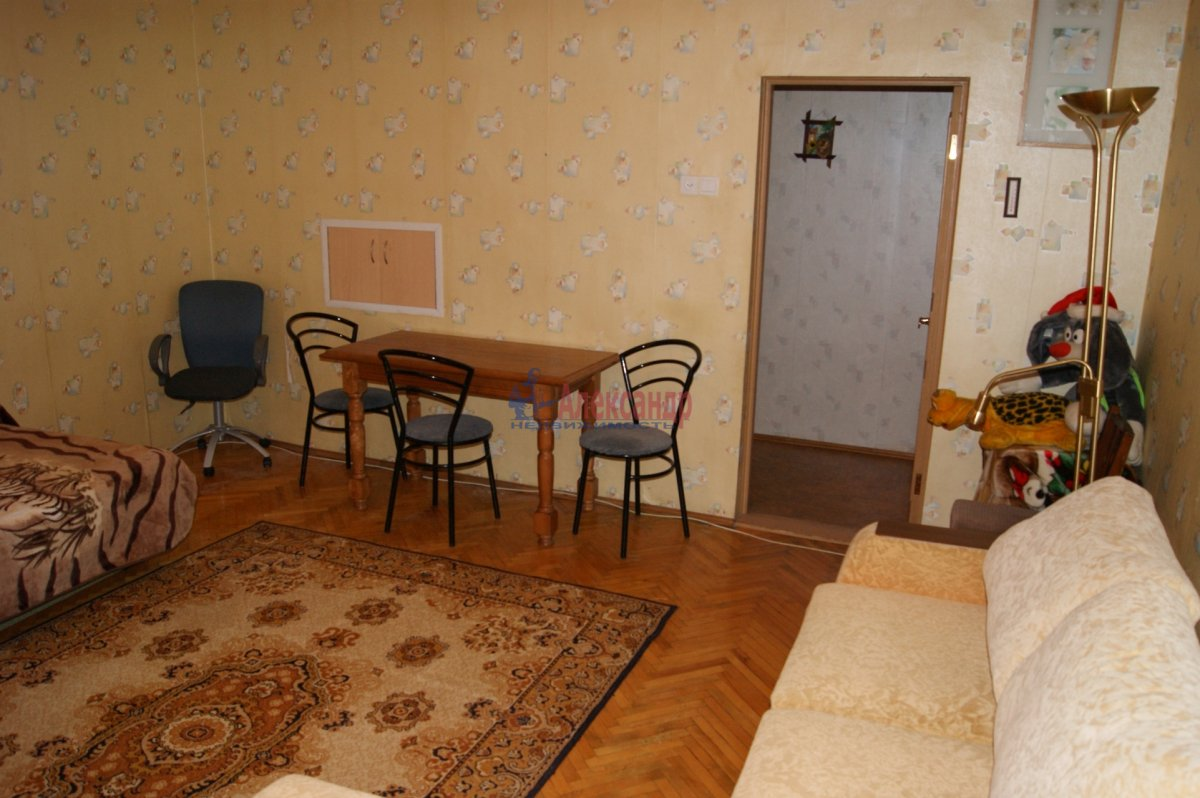 1-комнатная квартира (40м2) в аренду по адресу Барочная ул., 12— фото 1 из 3