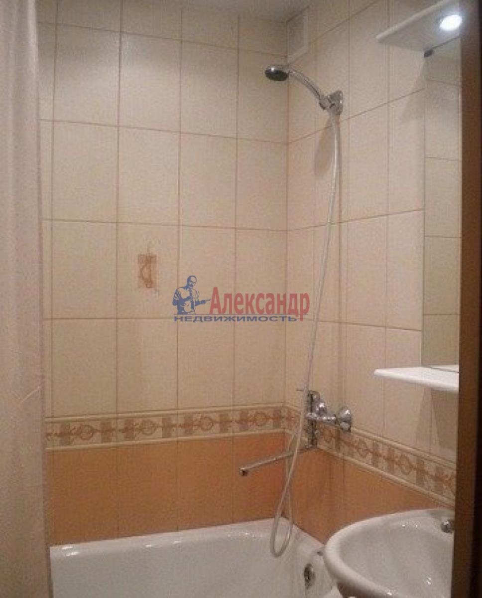 Комната в 2-комнатной квартире (48м2) в аренду по адресу Стачек пр., 75— фото 3 из 4