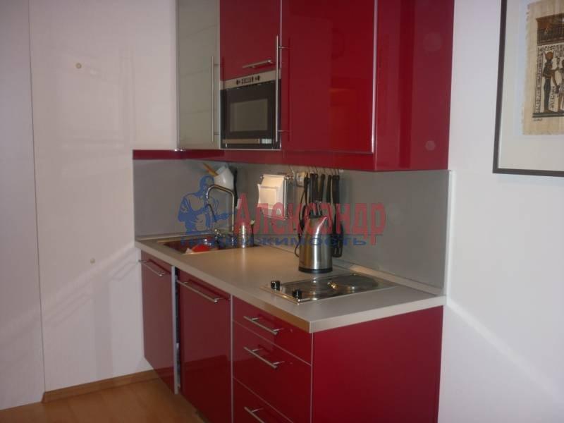 1-комнатная квартира (39м2) в аренду по адресу Новолитовская ул., 4— фото 2 из 4