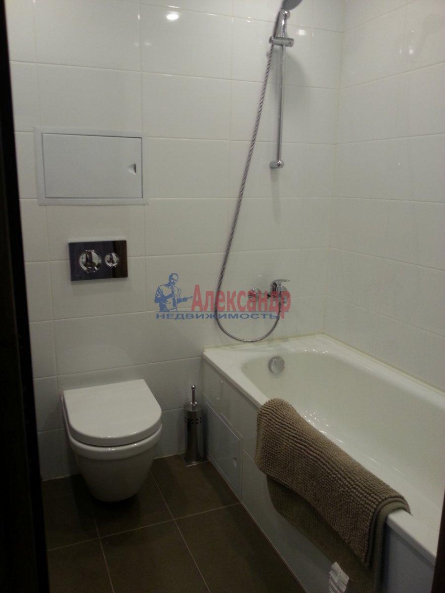1-комнатная квартира (40м2) в аренду по адресу Обуховской Обороны пр., 138— фото 5 из 10