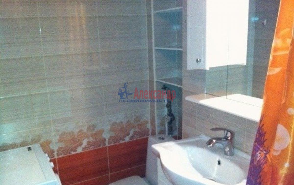 1-комнатная квартира (37м2) в аренду по адресу Ветеранов пр., 78— фото 3 из 3
