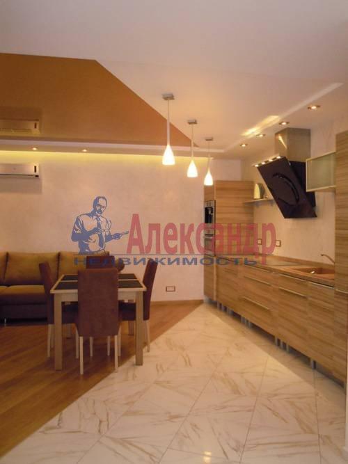 2-комнатная квартира (80м2) в аренду по адресу Свердловская наб., 58— фото 9 из 14