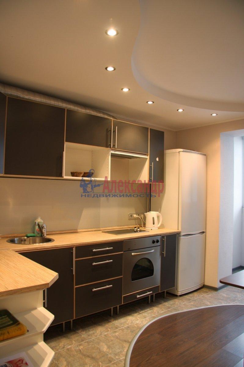 2-комнатная квартира (100м2) в аренду по адресу Гангутская ул., 8— фото 5 из 7