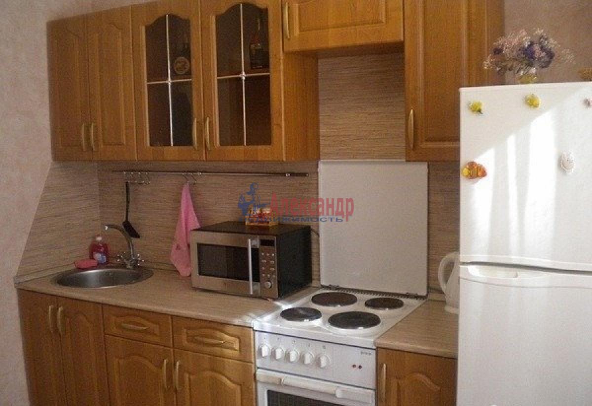 Комната в 2-комнатной квартире (48м2) в аренду по адресу Стачек пр., 75— фото 4 из 4