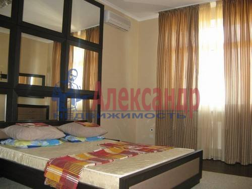 2-комнатная квартира (70м2) в аренду по адресу Варшавская ул., 23— фото 4 из 7