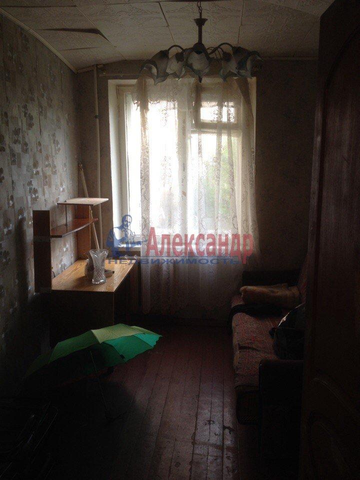 2-комнатная квартира (43м2) в аренду по адресу Петергоф г., Разведчиков бул., 2— фото 1 из 6