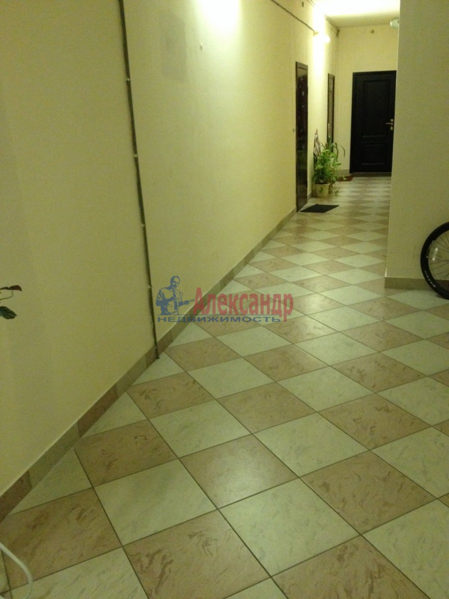 1-комнатная квартира (48м2) в аренду по адресу Галстяна ул., 1— фото 15 из 16