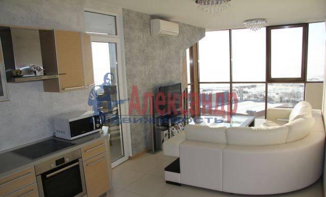 2-комнатная квартира (75м2) в аренду по адресу Приморский пр., 137— фото 1 из 10