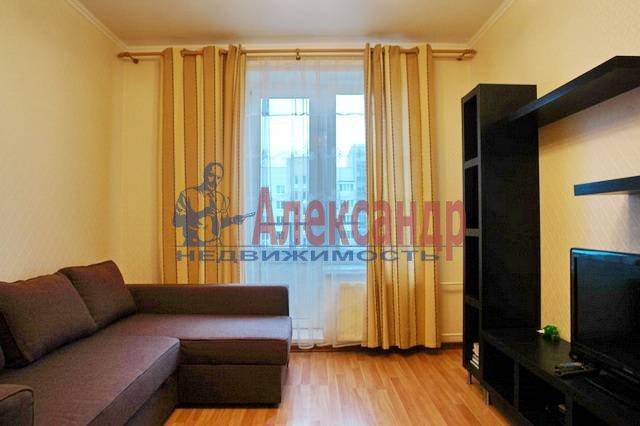 1-комнатная квартира (40м2) в аренду по адресу Ситцевая ул., 5— фото 1 из 4