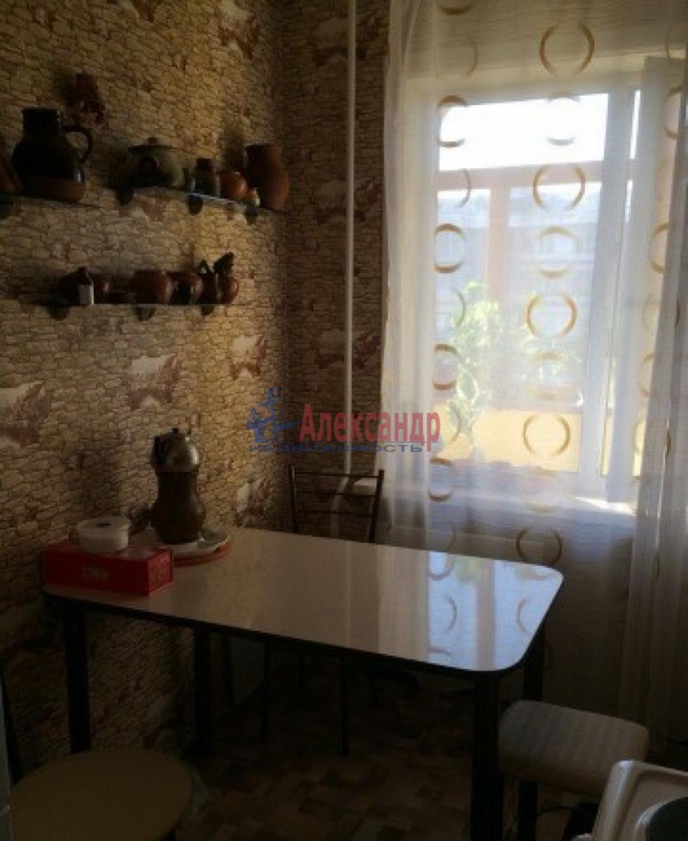 Комната в 4-комнатной квартире (80м2) в аренду по адресу Ленинский пр., 127— фото 3 из 5