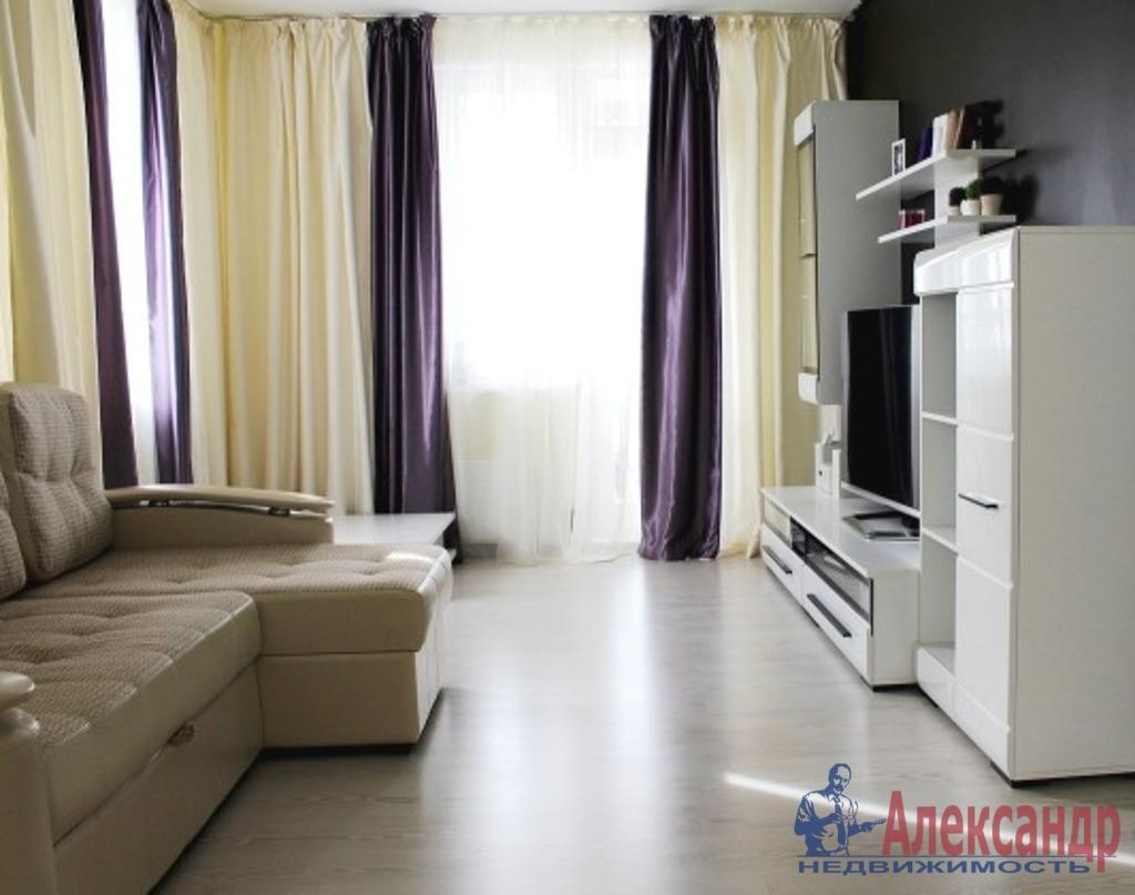 2-комнатная квартира (75м2) в аренду по адресу Киевская ул., 3— фото 1 из 4