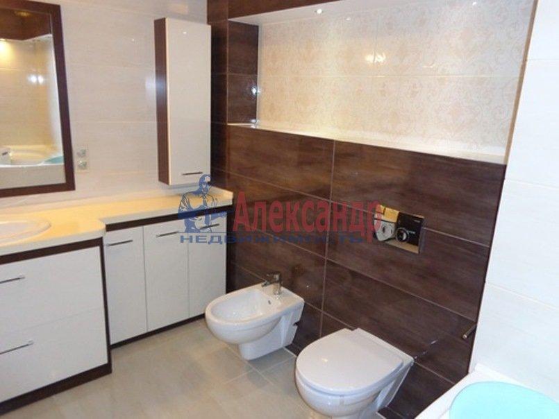 2-комнатная квартира (74м2) в аренду по адресу Пионерская ул., 50— фото 10 из 13