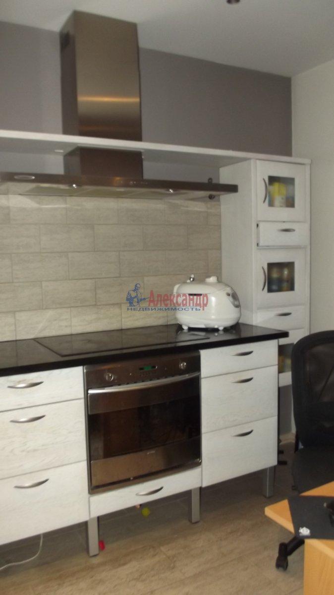 1-комнатная квартира (35м2) в аренду по адресу Крыленко ул., 13— фото 4 из 6