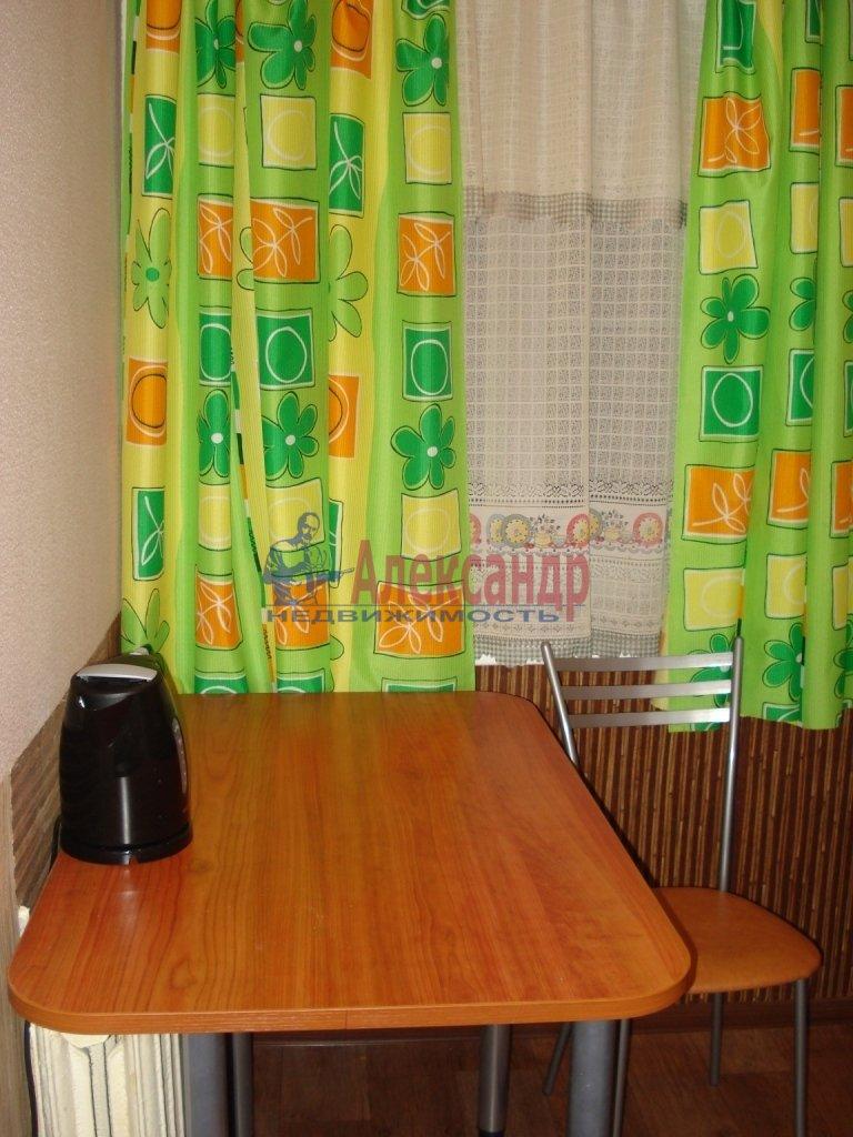 2-комнатная квартира (55м2) в аренду по адресу Будапештская ул., 98— фото 3 из 4