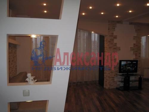 2-комнатная квартира (76м2) в аренду по адресу Народного Ополчения пр., 167— фото 4 из 6