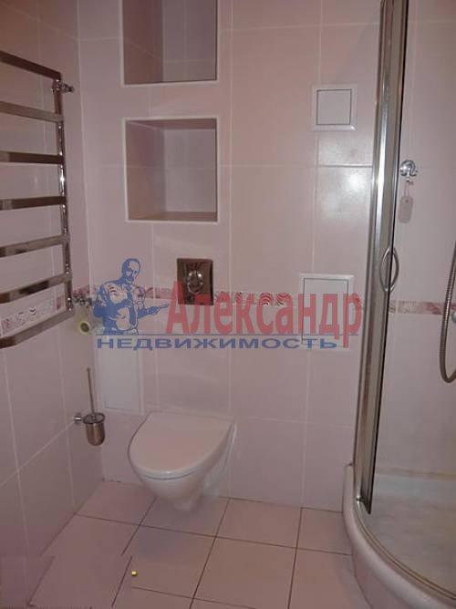 2-комнатная квартира (70м2) в аренду по адресу Новаторов бул., 67— фото 2 из 6
