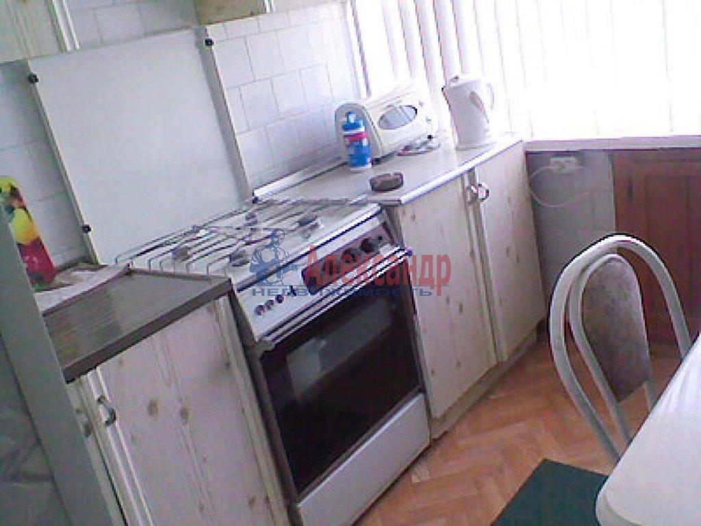 2-комнатная квартира (66м2) в аренду по адресу Сикейроса ул., 11— фото 2 из 2