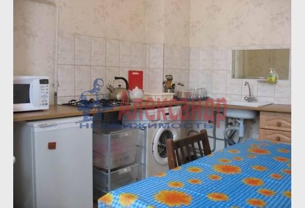 2-комнатная квартира (70м2) в аренду по адресу Марата ул., 4— фото 4 из 9