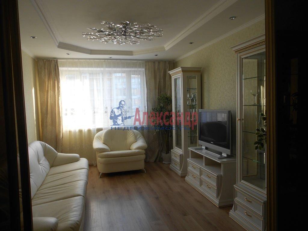 2-комнатная квартира (56м2) в аренду по адресу Кораблестроителей ул., 36— фото 1 из 8