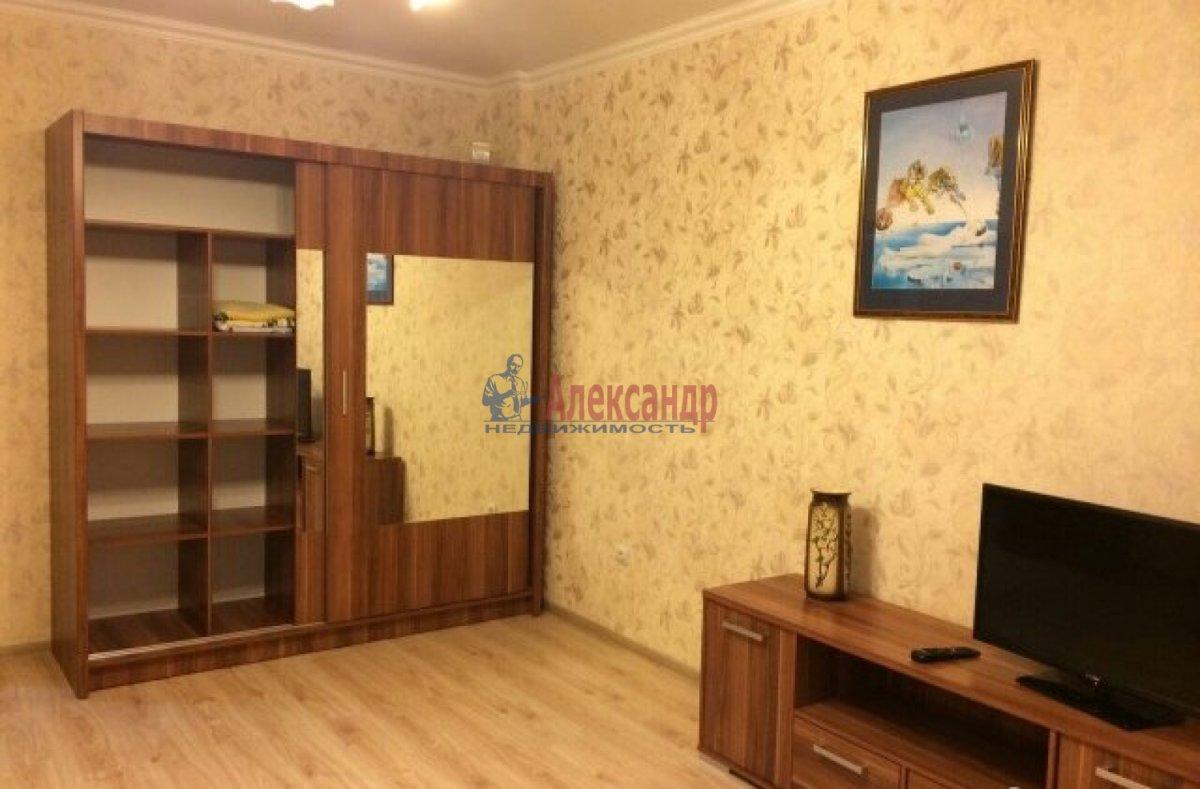 1-комнатная квартира (40м2) в аренду по адресу Славы пр., 52— фото 4 из 6