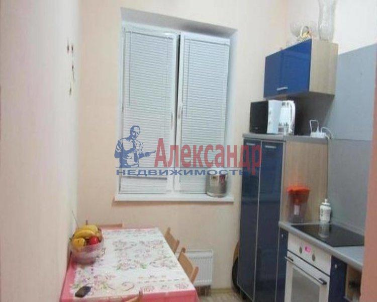 1-комнатная квартира (39м2) в аренду по адресу Карпинского ул., 27— фото 2 из 2