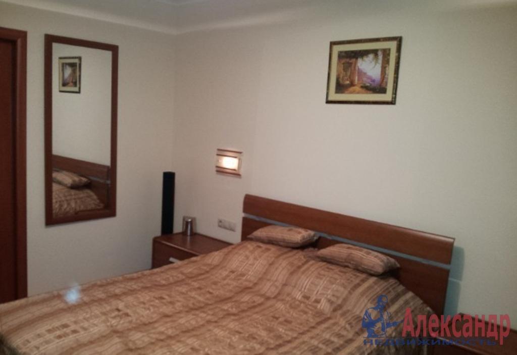 3-комнатная квартира (65м2) в аренду по адресу Декабристов ул., 9— фото 2 из 4
