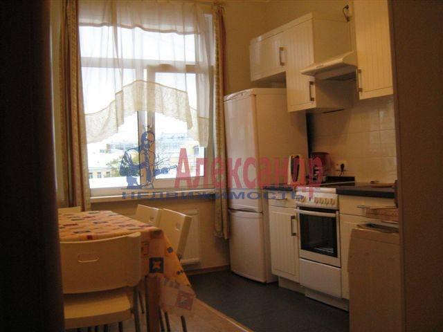 1-комнатная квартира (35м2) в аренду по адресу Исполкомская ул., 4— фото 3 из 8