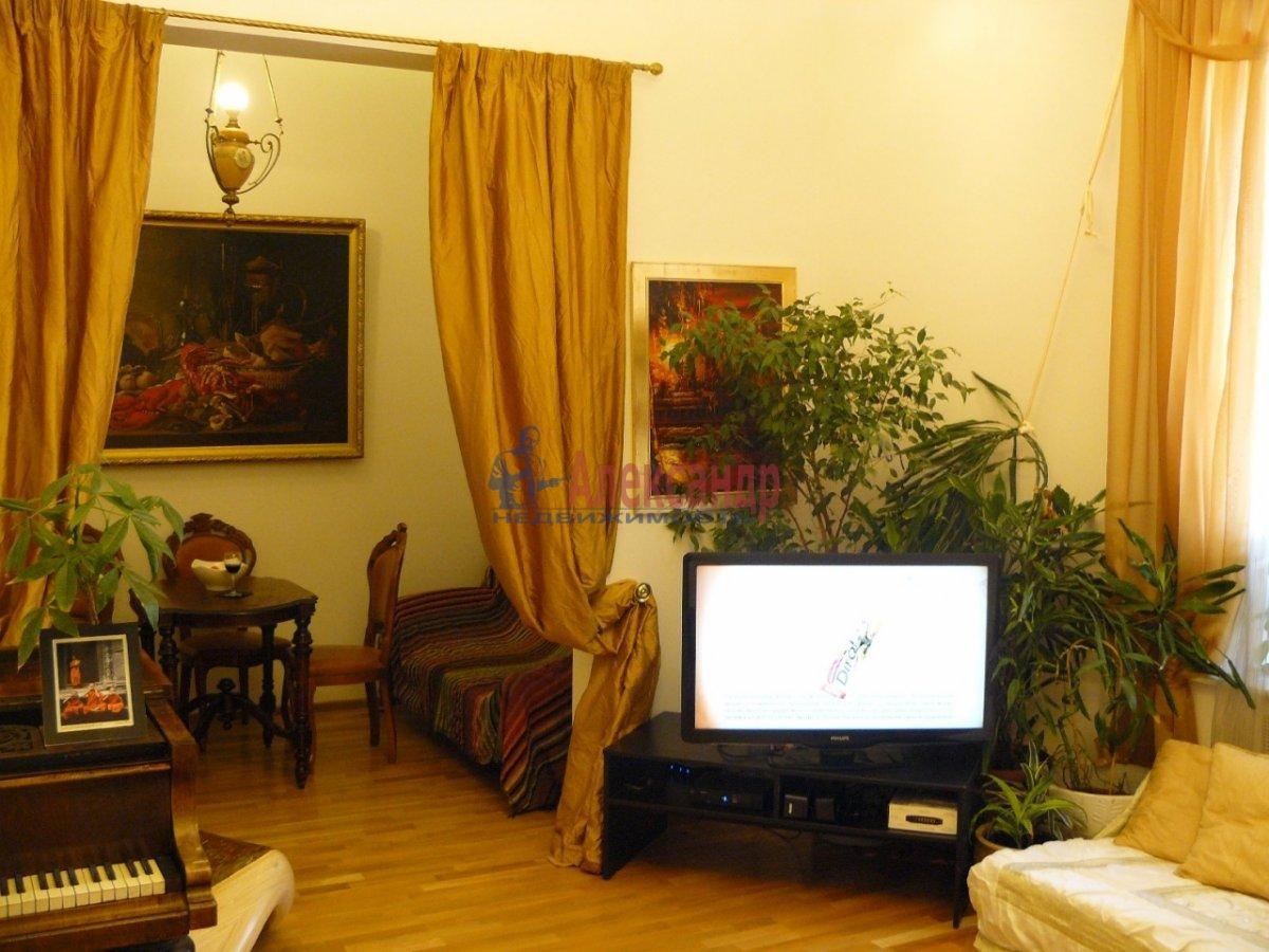 2-комнатная квартира (70м2) в аренду по адресу 5 Советская ул., 4— фото 2 из 13