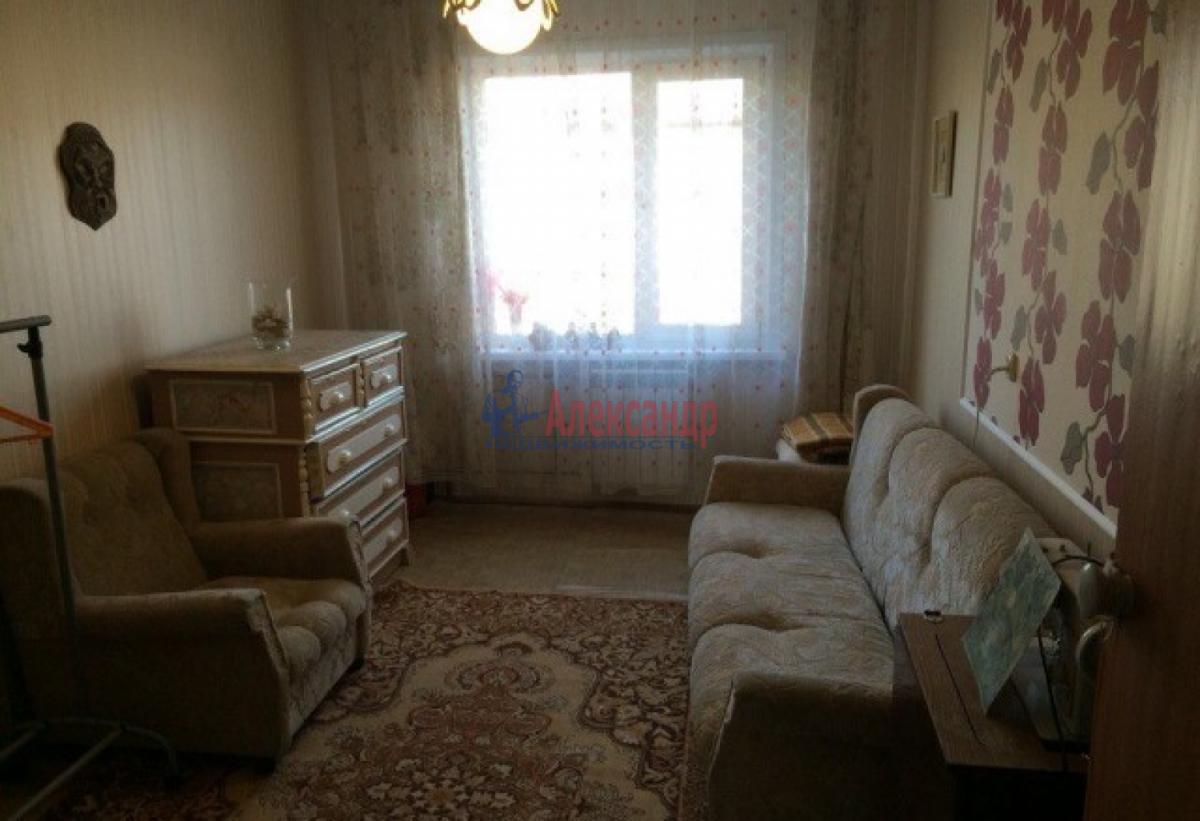 Комната в 4-комнатной квартире (80м2) в аренду по адресу Ленинский пр., 127— фото 1 из 5