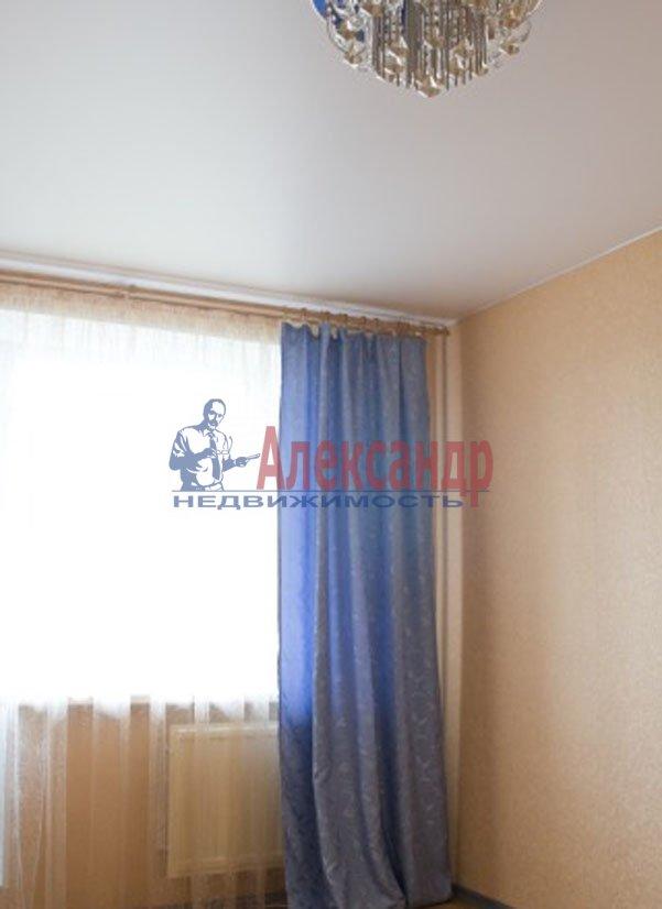 1-комнатная квартира (37м2) в аренду по адресу Художников пр., 22— фото 2 из 3