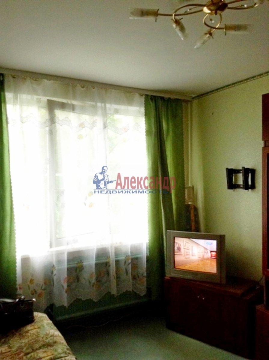 1-комнатная квартира (29м2) в аренду по адресу Крыленко ул., 7— фото 2 из 6