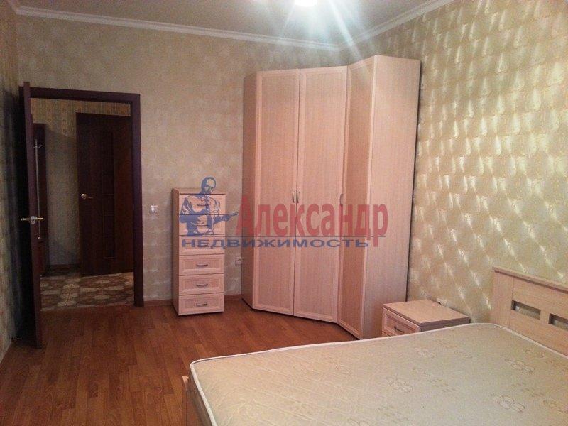 1-комнатная квартира (43м2) в аренду по адресу Бухарестская ул., 80— фото 1 из 6
