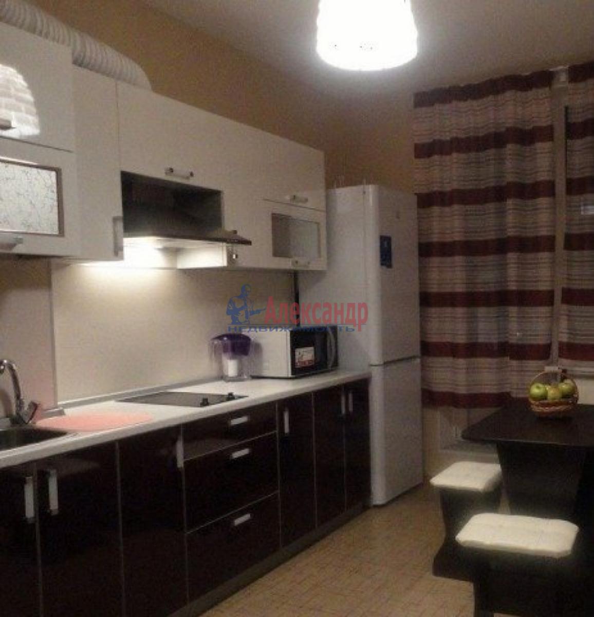 1-комнатная квартира (37м2) в аренду по адресу Славы пр., 55— фото 1 из 3