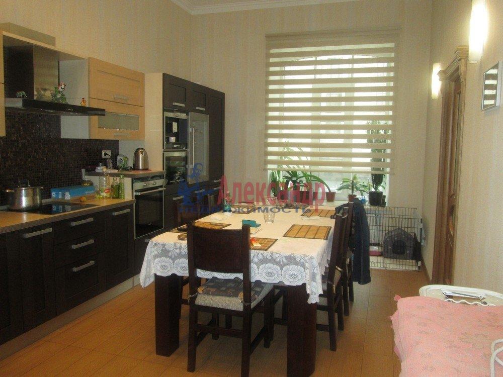 3-комнатная квартира (130м2) в аренду по адресу Виленский пер., 15— фото 1 из 15