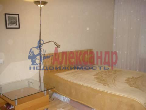 2-комнатная квартира (54м2) в аренду по адресу Кораблестроителей ул., 40— фото 1 из 3