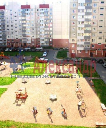 2-комнатная квартира (64м2) в аренду по адресу Октябрьская наб., 5— фото 1 из 4