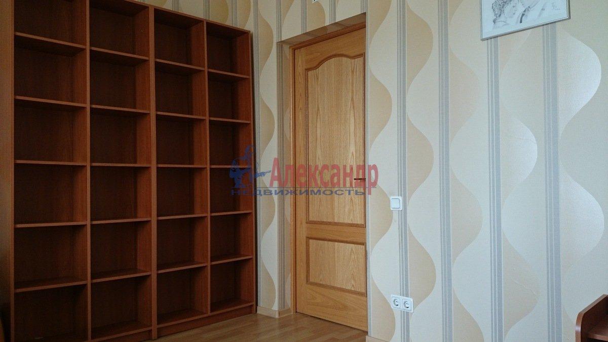 1-комнатная квартира (52м2) в аренду по адресу Малоохтинский пр., 16— фото 3 из 8