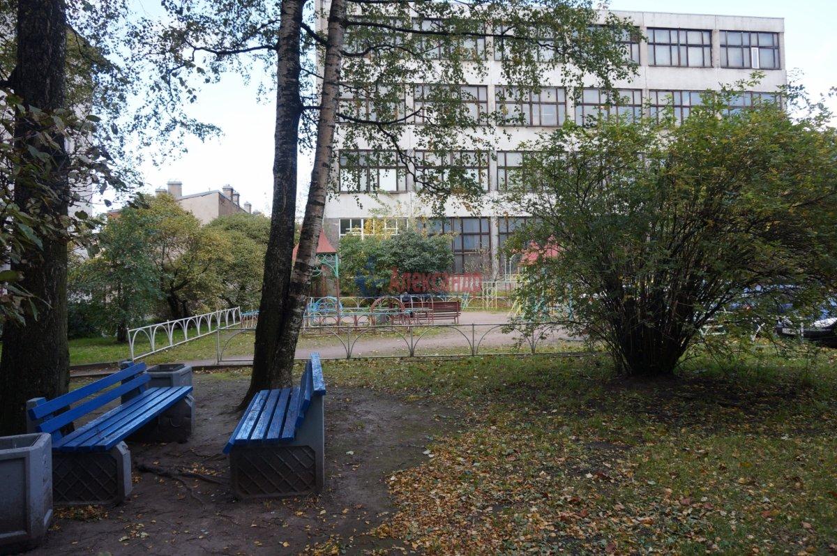 2-комнатная квартира (42м2) в аренду по адресу Тамбовская ул., 47— фото 10 из 11