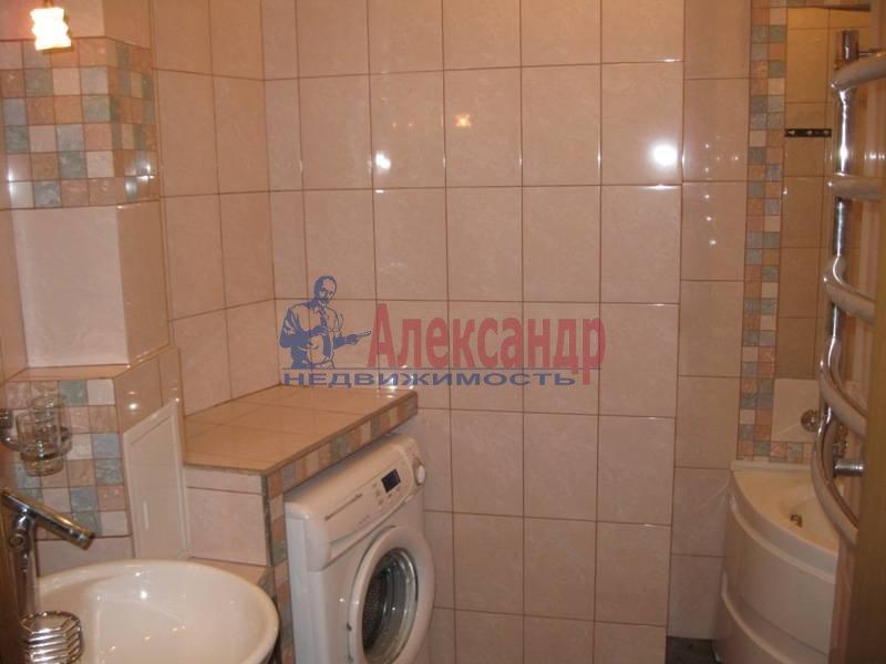 3-комнатная квартира (62м2) в аренду по адресу Ропшинская ул., 32— фото 9 из 11