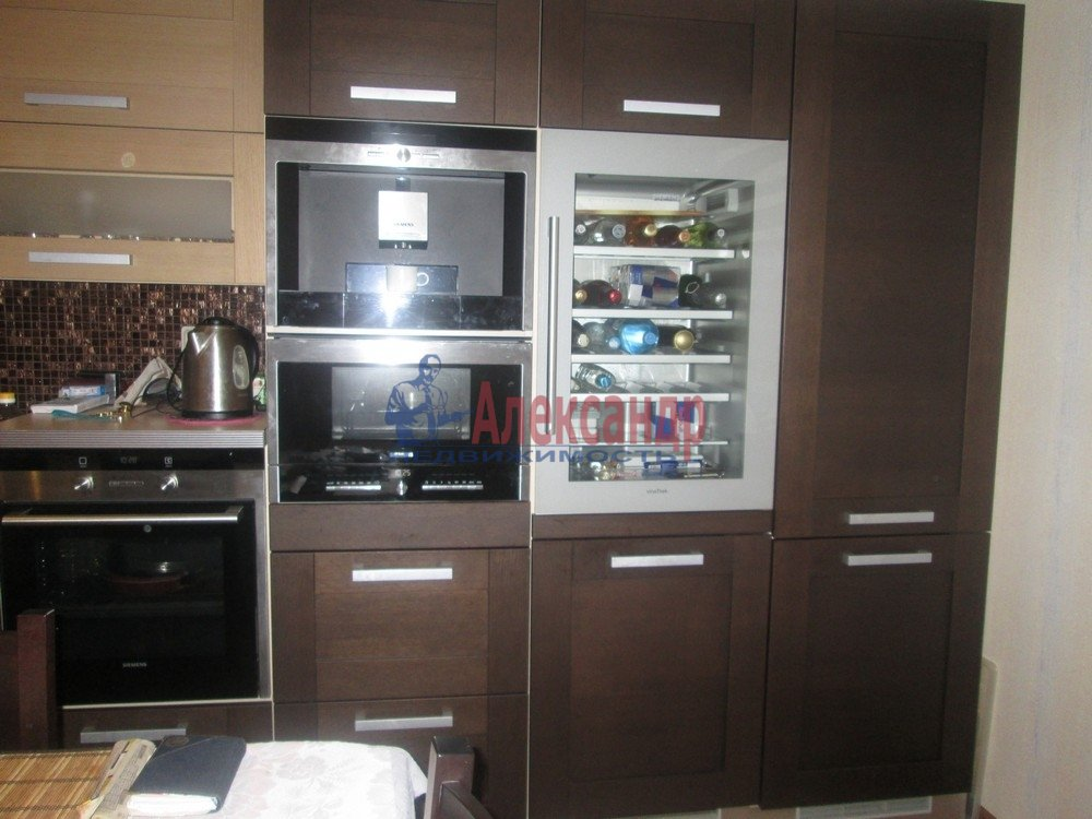 3-комнатная квартира (130м2) в аренду по адресу Виленский пер., 15— фото 4 из 15