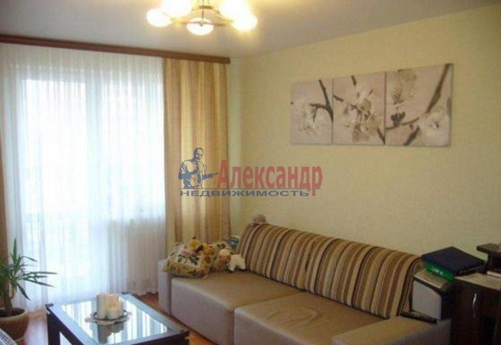 2-комнатная квартира (71м2) в аренду по адресу Стасовой ул., 4— фото 1 из 4