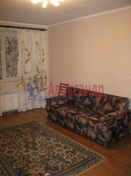 1-комнатная квартира (39м2) в аренду по адресу Художников пр., 17— фото 2 из 7