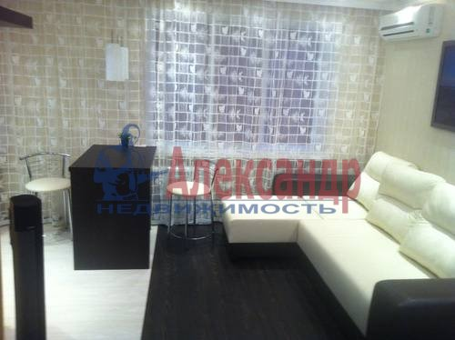 1-комнатная квартира (42м2) в аренду по адресу Энгельса пр., 97— фото 2 из 7