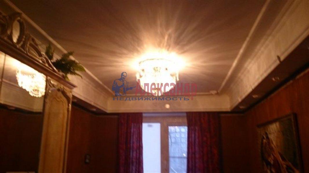 1-комнатная квартира (35м2) в аренду по адресу Невский пр., 7— фото 2 из 4