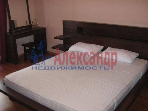 2-комнатная квартира (50м2) в аренду по адресу 10 Красноармейская ул.— фото 1 из 9