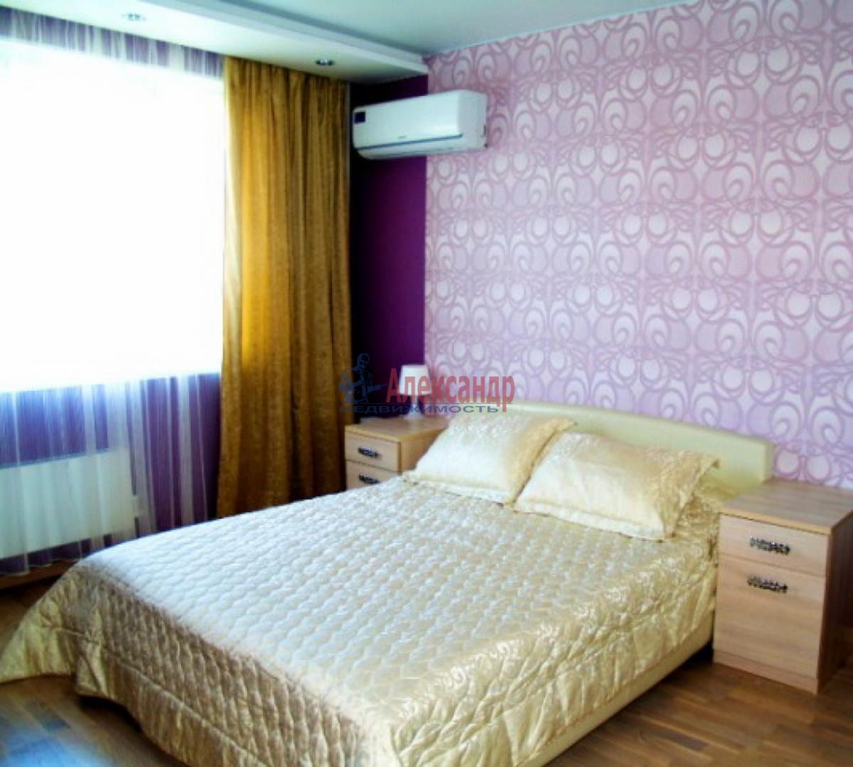 1-комнатная квартира (38м2) в аренду по адресу Подводника Кузьмина ул., 17— фото 1 из 3