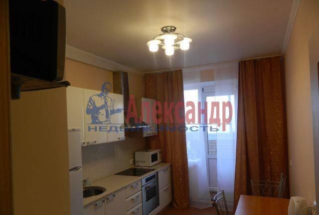 2-комнатная квартира (52м2) в аренду по адресу Учительская ул., 18— фото 3 из 4