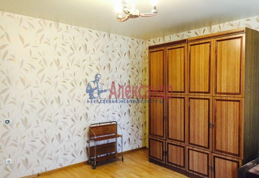 1-комнатная квартира (35м2) в аренду по адресу Гражданский пр., 122— фото 2 из 3