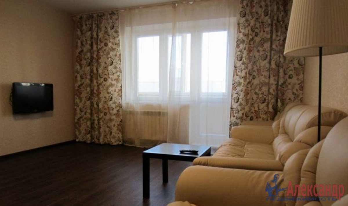 1-комнатная квартира (34м2) в аренду по адресу Ударников пр., 33— фото 2 из 2